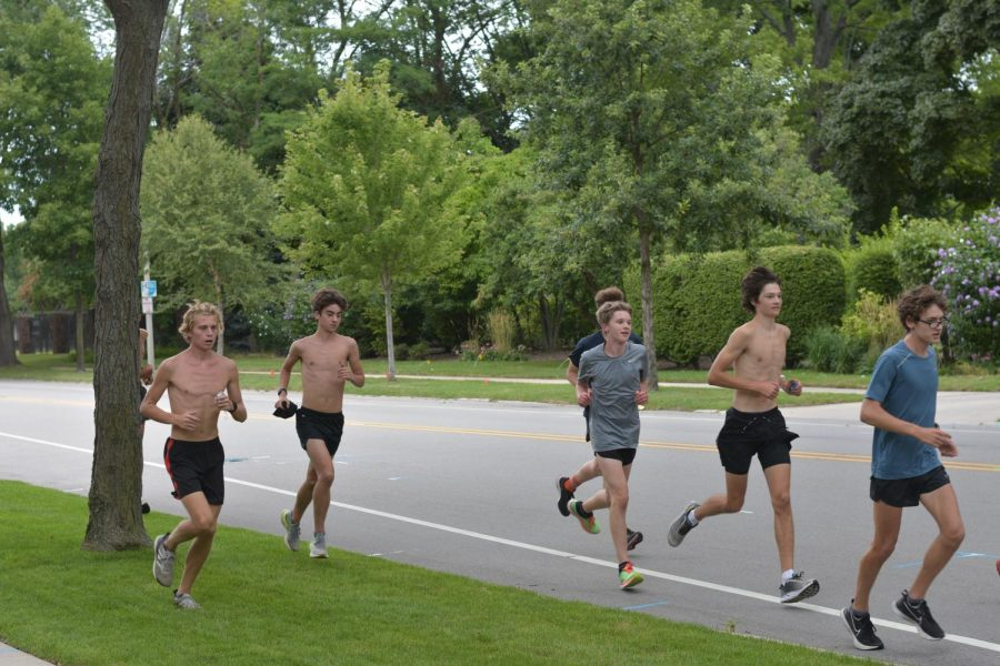 Nicholas Emanuelson, Adam OConnor, Johan Bannink, Matthew Gandrud, Reece Nelson and Otto Duensing go for a run. The team will race this year, despite COVID.