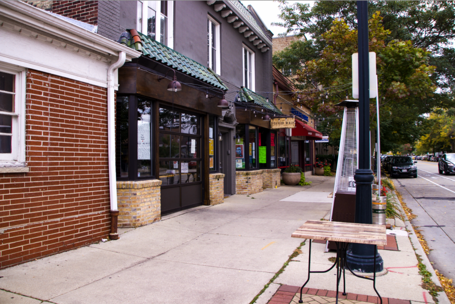 Outdoor seating at Cloud Red